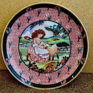 Vintage Mary has a little lamb plate